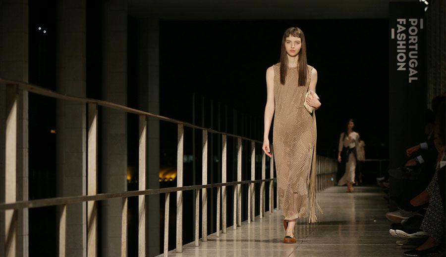 8801042ba Portugal Fashion: A descontração de Pedro Pedro nas silhuetas femininas -  NiT