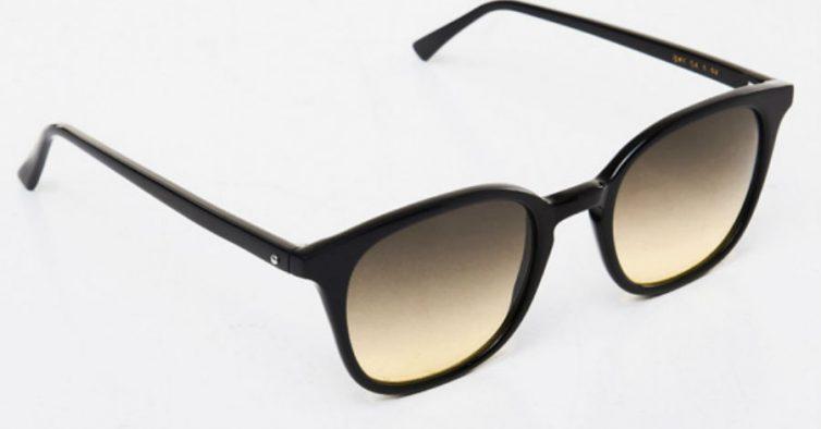 ea12994cf Clássicos e delicados, estes óculos são simples e unissexo. Têm as lentes  em degradé e estão disponíveis no site da marca.