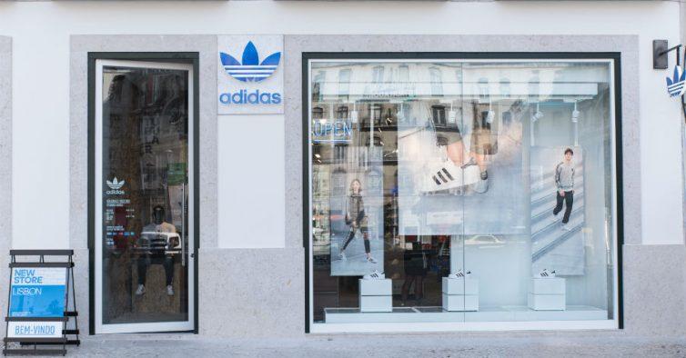 1fb4961c321 Já abriu a maior loja Adidas Originals do País - NiT