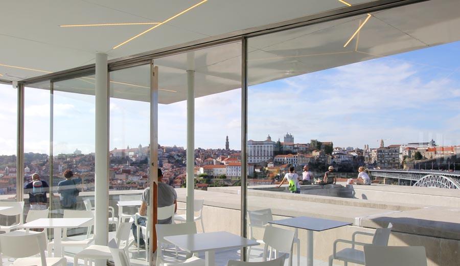 A nova esplanada incr vel com a melhor vista sobre o porto for Esplanada dos jardins 1