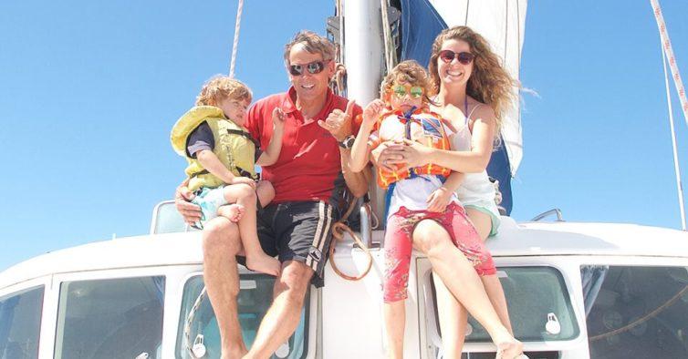 Esta família açoriana vai conhecer o mundo num catamarã