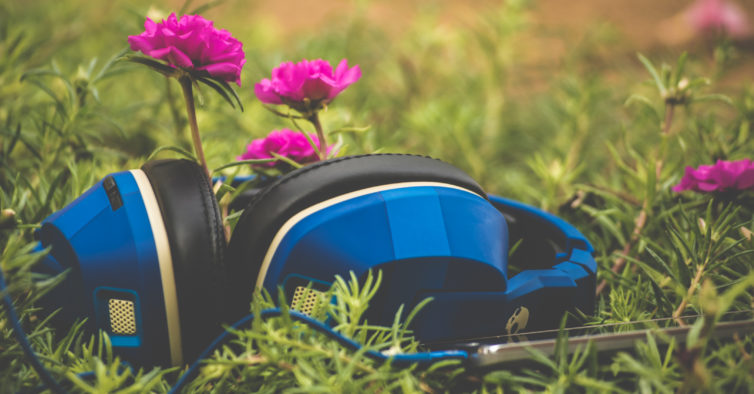 Estudo: Porque é que ficamos com músicas coladas ao cérebro?
