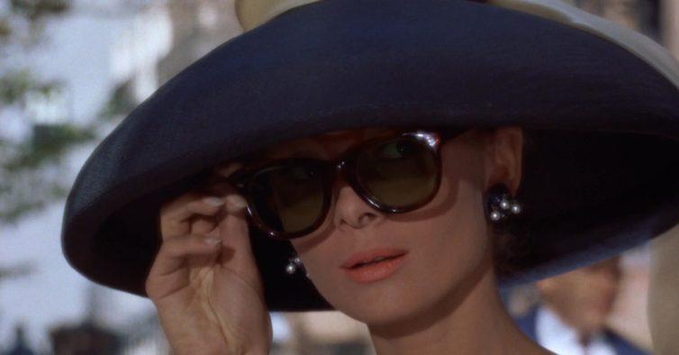 e58c8b7d544b6 O verdadeiro motivo por que os óculos de sol são tão caros