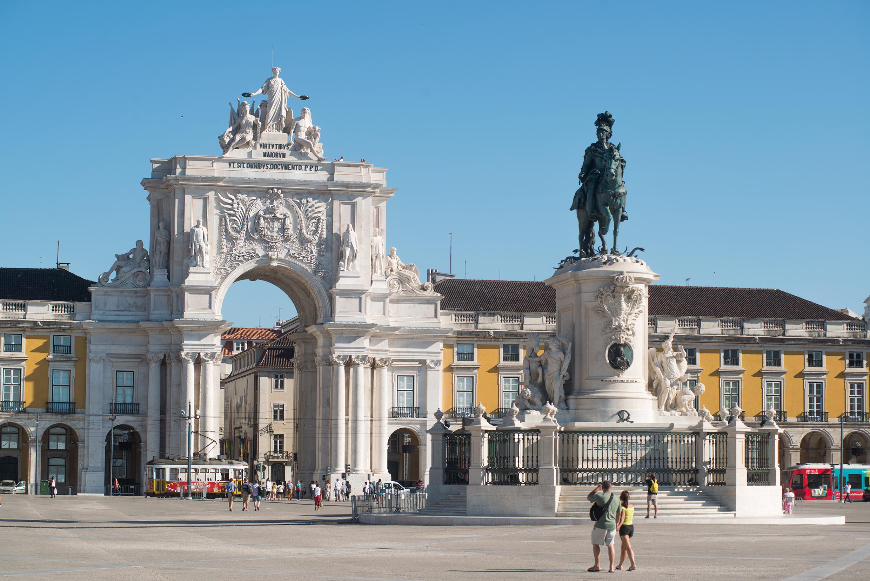 Passagens Aéreas ida e volta para Lisboa a partir de R$ 2.237