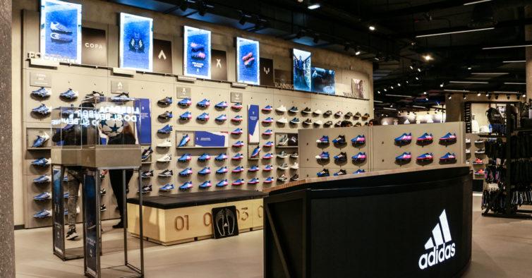 212ca4dc604 A maior loja da Adidas do País foi renovada e nós mostramos-lhe tudo