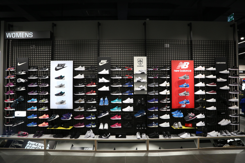 33480b8c4de Há uma nova loja no Algarve com New Balance e Adidas — e vão oferecer  sapatilhas