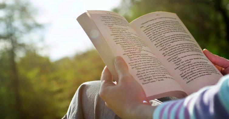 livros de mão em mão