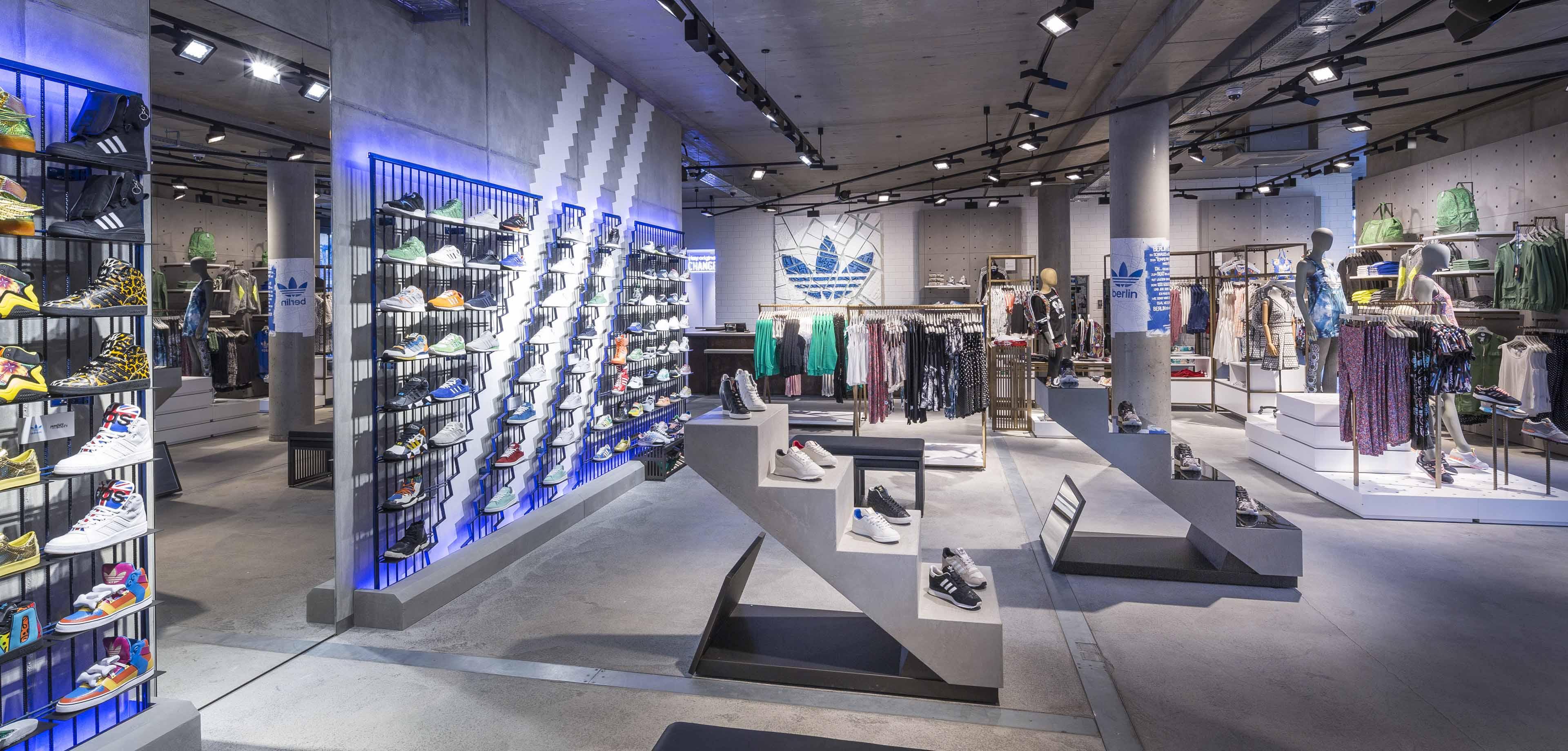 48d9510d971 Há uma nova Adidas no centro do País com todas as coleções da marca