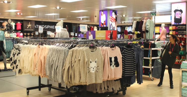 9ccb3ff8f30 O novo blusão de ganga da Primark que vai desaparecer rapidamente das lojas