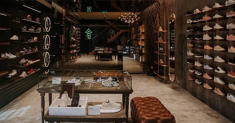 2f0b24661fe Bae  a nova loja de sapatilhas raras no Porto também é um museu