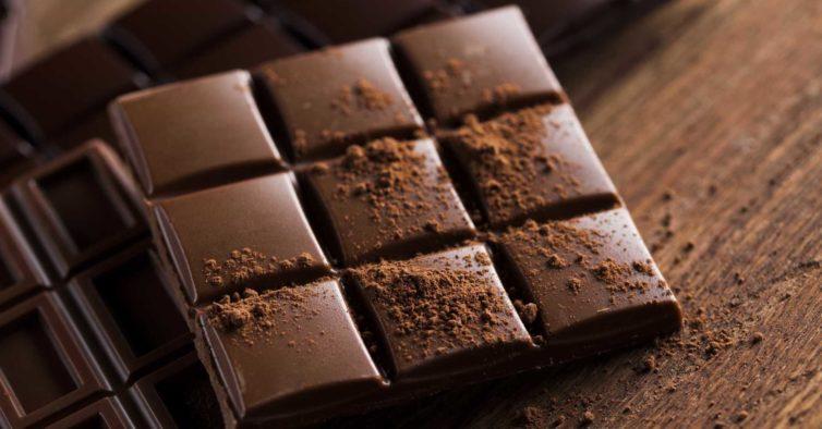 L'Oréal lança batons com fragrâncias de chocolate