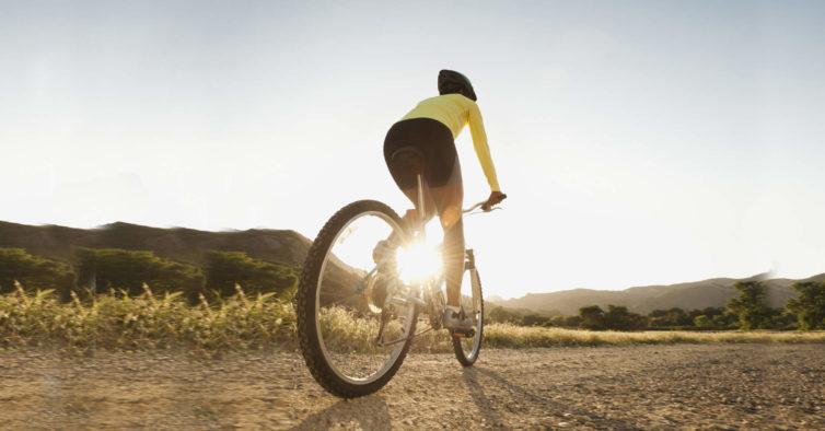 El andar en bicicleta ayuda a bajar de peso