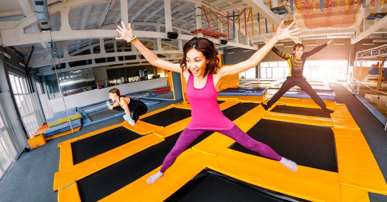Sintra vai ter uma festa para dançar e saltar em trampolins com toda a  família · parque de trampolins d6502c7db5074