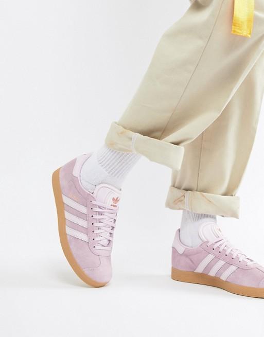 0357b72c925 A Asos tem umas sapatilhas Adidas Gazelle por metade do preço