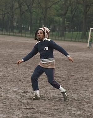 b8ede6b8678 Bob Marley jogava com uns Gazelle. Os adidas Original Pastel Gazelle estão  na Asos à ...