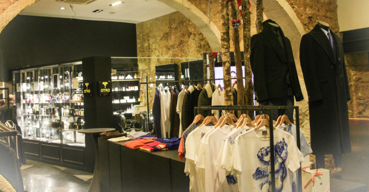 83e9e87e72b Estilista Nuno Gama tem uma nova loja incrível em Lisboa