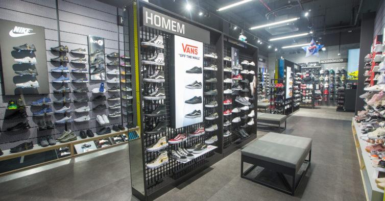 3d58bd3eb1e Há uma nova loja de sapatilhas exclusivas na Madeira