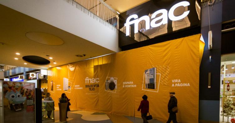 1f85b0f6e Abre no maior centro comercial do País mas não é a loja maior (marca que  continua a pertencer ao Centro Comercial Colombo