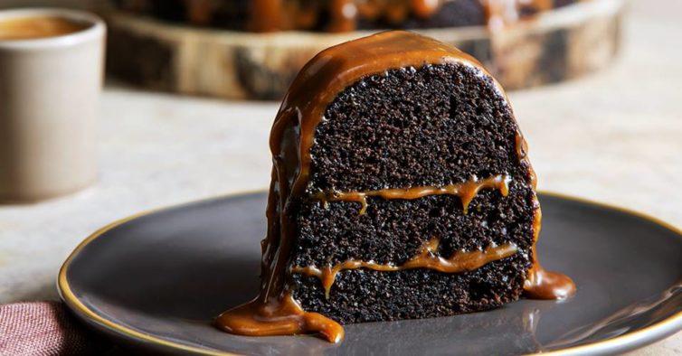 O Incrível Bolo De Chocolate E Caramelo Salgado Que Pode Provar Em