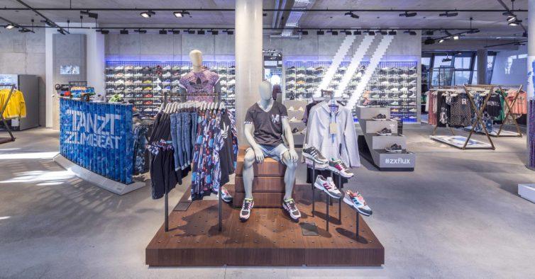 83b4a38678 O casaco ideal para a primavera está na Adidas a metade do preço