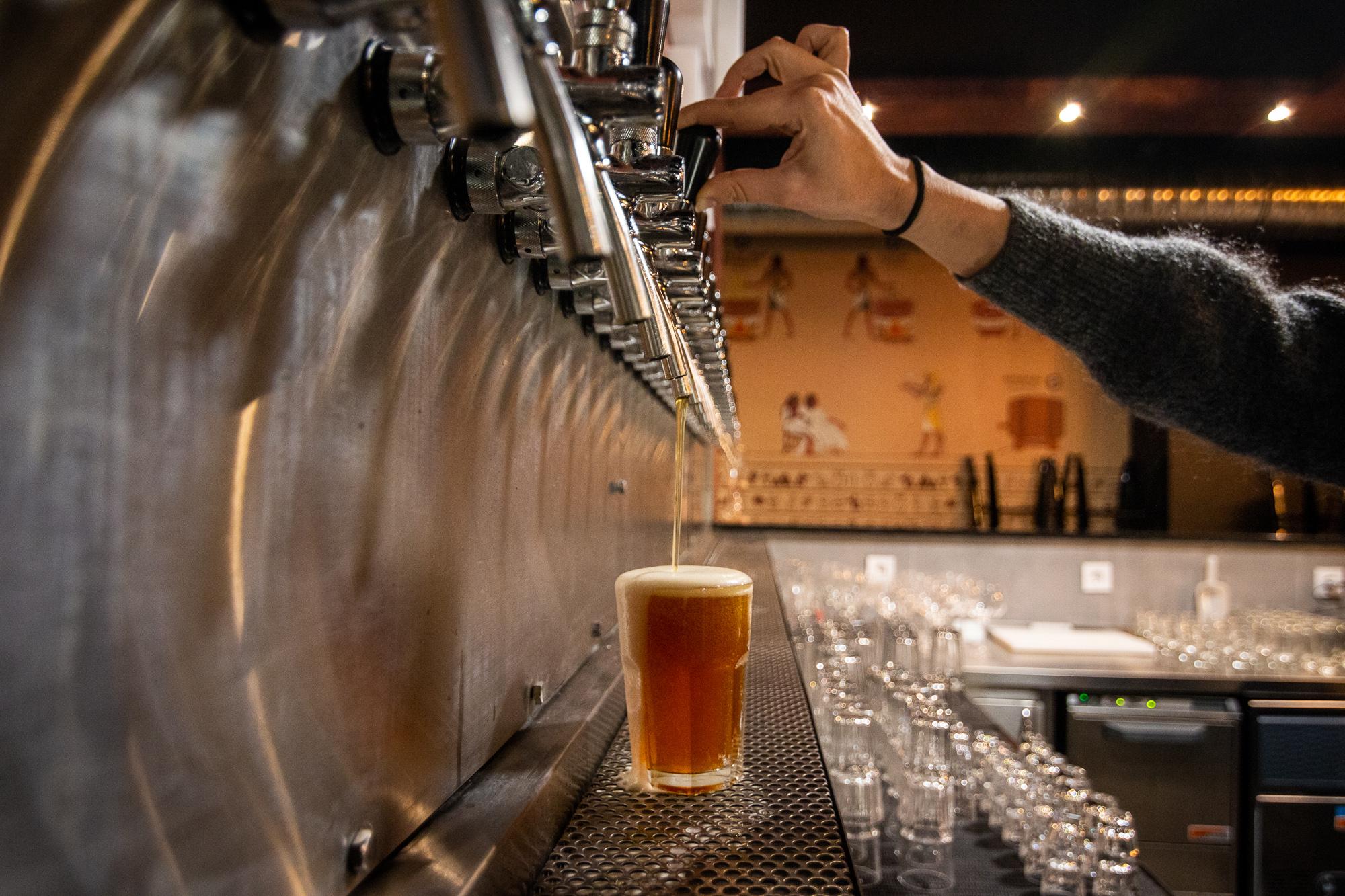 O Novo Bar De Lisboa Tem Um Balcao Gigante Com As Melhores