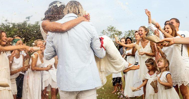6e0600d64 O novo vestido de noiva da Sfera custa menos de 30€