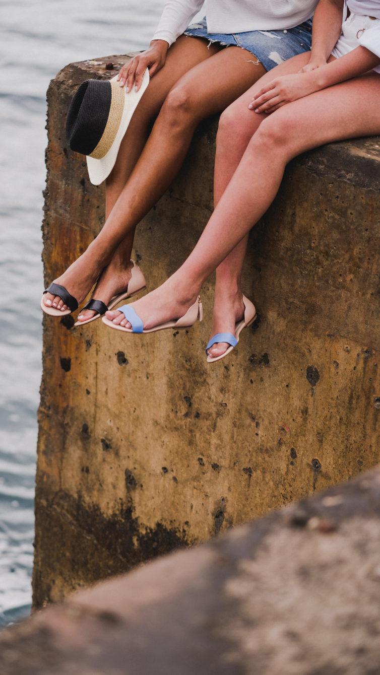 b1c747141 Já os DOL Flat Sandal são uma fusão entre sandálias e sabrinas. Para esta  silhueta