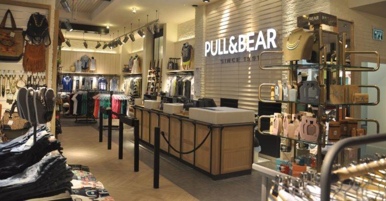 A nova carteira da Pull Bear parece aquele saco que a avó leva ao mercado 3860928c884