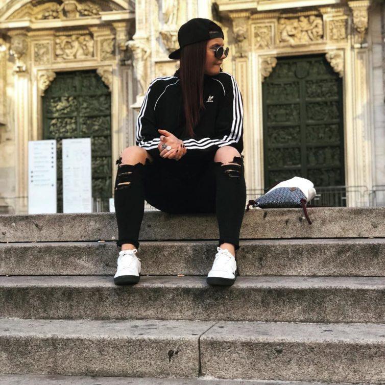 fab413039e0 O casaco mais básico da Adidas é um fenómeno no Instagram