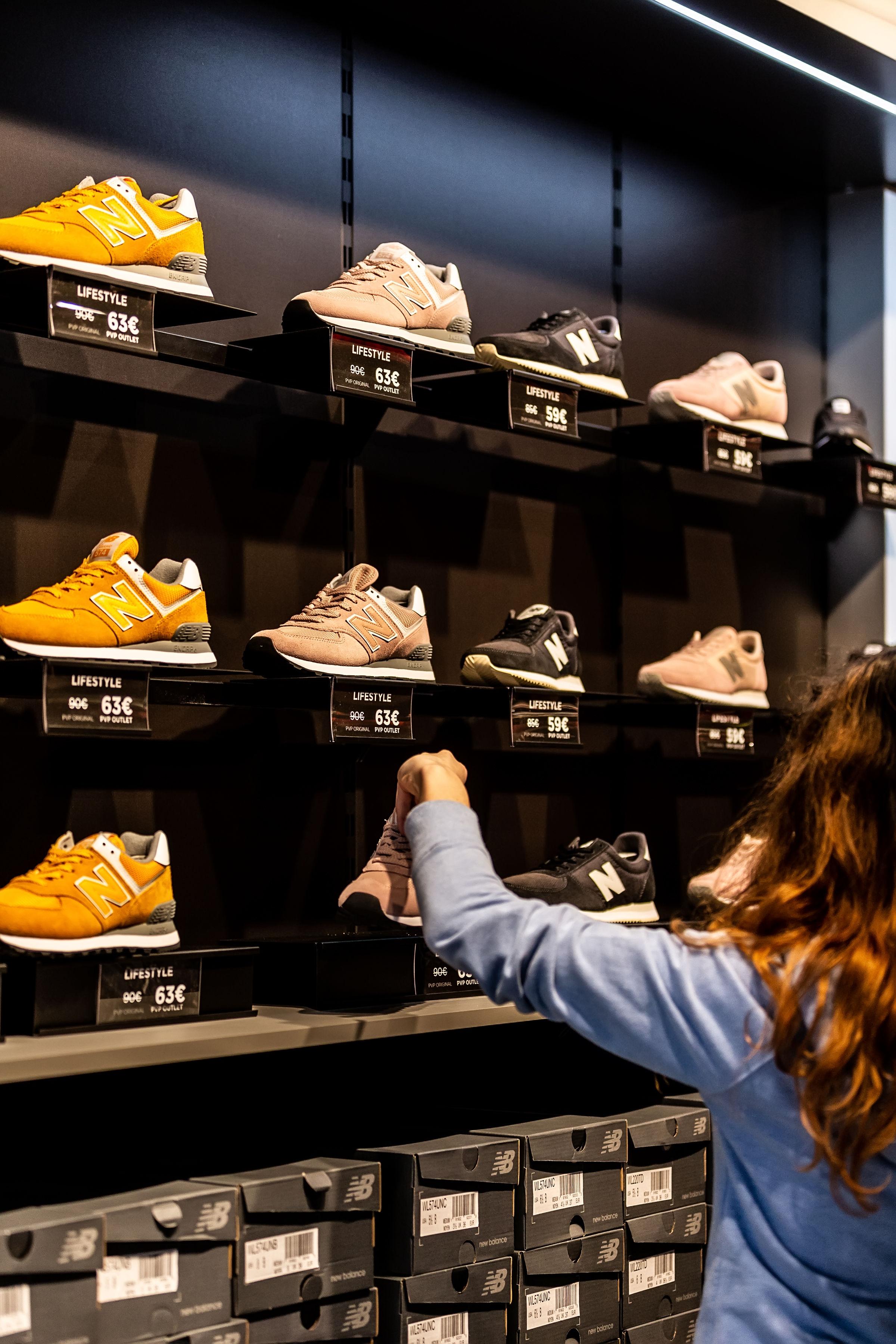 79b33d8070f New Balance abre loja outlet em Portugal com descontos até 70%