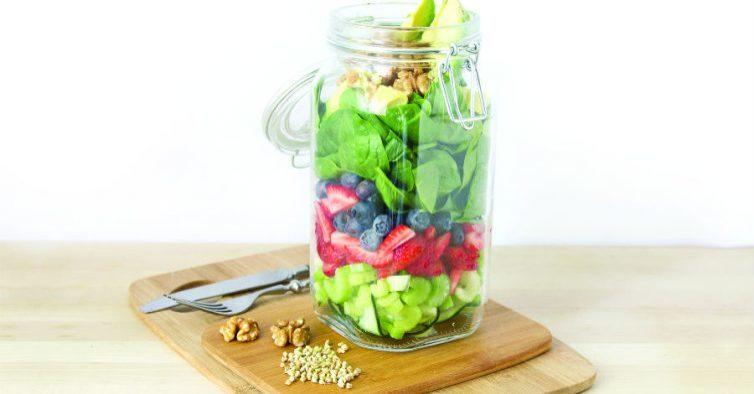 Salada de aipo e frutos vermelhos