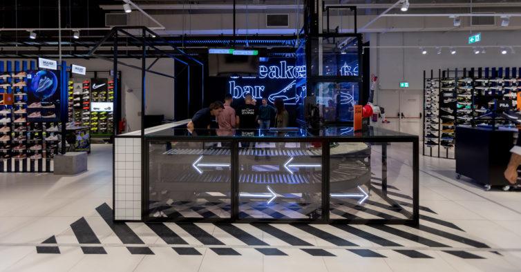 61cdd813896 Sport Zone reabre no Colombo com um sneakers bar