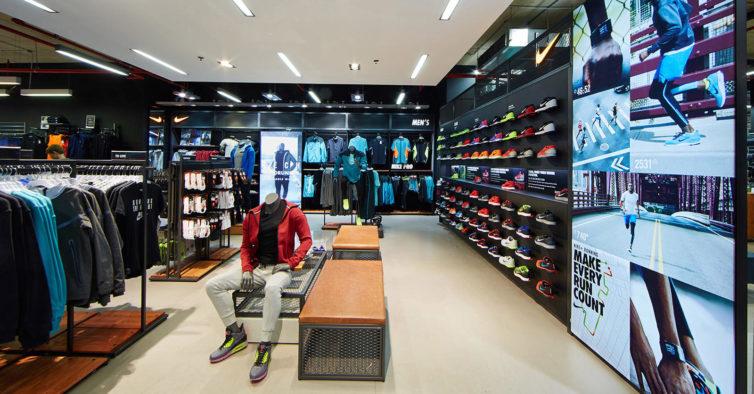 81f0458bf8a Estas sapatilhas da Nike são lindas e estão a 69