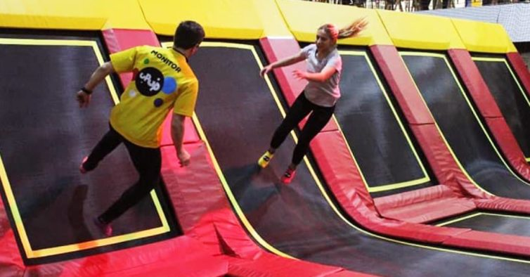 parque de trampolins