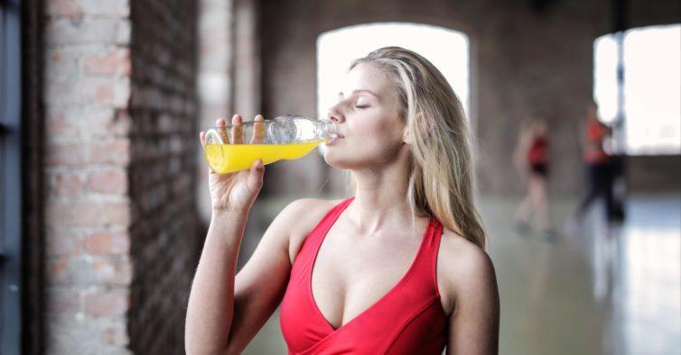 Misturar estes dois alimentos em água é o novo método para perder gordura
