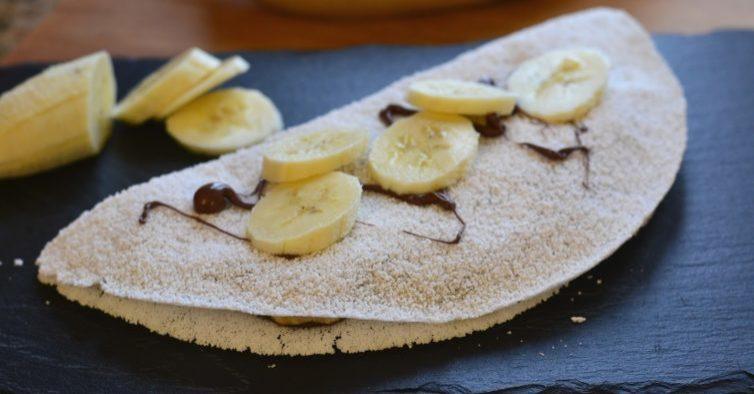 Tradicional com banana e creme de amêndoa