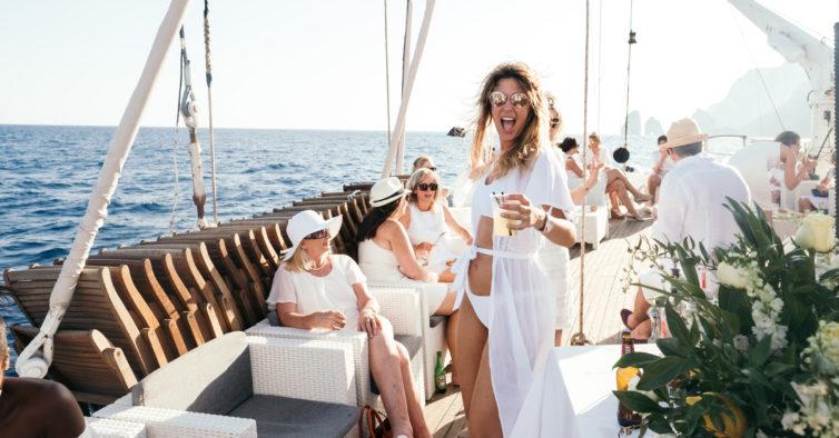 Vem aí outra Festa Branca a bordo de uma caravela no rio Tejo