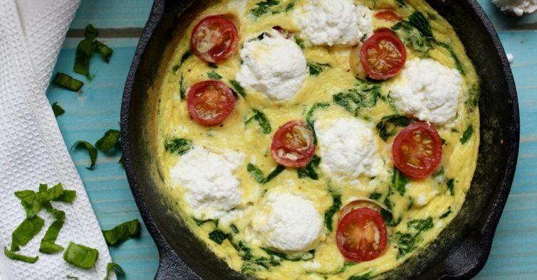 Omelete de ricotta e espinafres