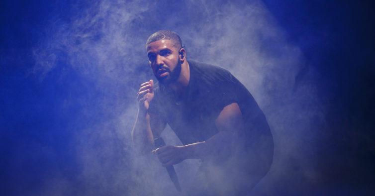 Na próxima sexta-feira vai haver um karaoke moderno de R&B e hip hop