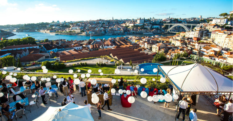 Prepare-se para mais um sunset cheio de vinho — e com vista para o Douro