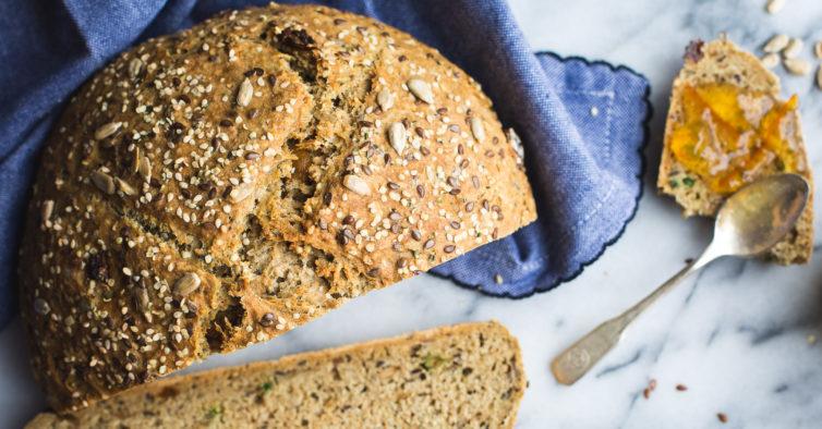 O pão baixo em hidratos de carbono que pode fazer em casa