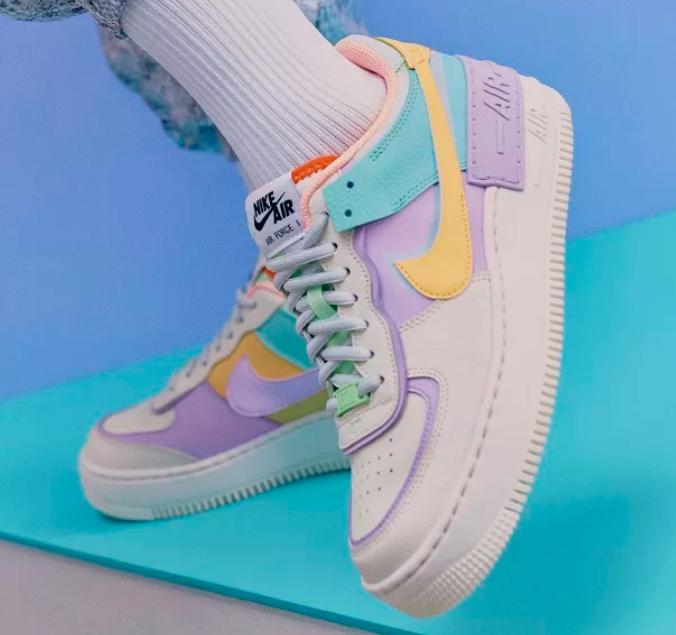 As novas sapatilhas coloridas da Nike são perfeitas para