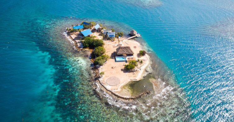 Plano para as próximas férias: alugar esta ilha privada com corais em Belize