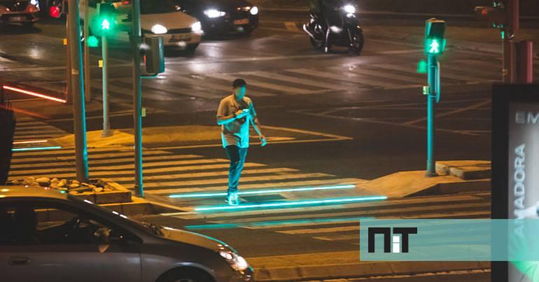 """Amadora vai ter mais passadeiras inteligentes para ajudar os """"zombies digitais"""" - NiT New in Town"""