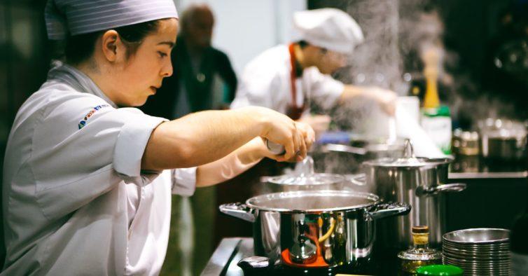 Beatriz Costa: a jovem chef minhota que toca bateria quando não está a cozinhar