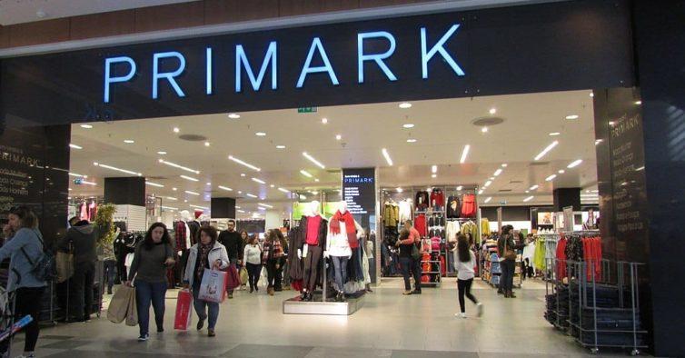 O casaco branco da Primark que é o recorde de vendas desta estação