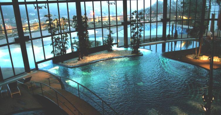 O paraíso fica na Serra da Estrela — e tem piscinas com água quente ao ar livre