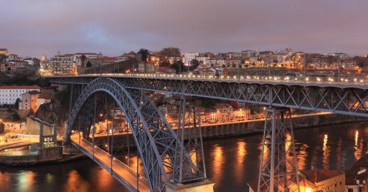 CP lança bilhetes Lisboa-Porto a 5€ para o Natal e Ano Novo