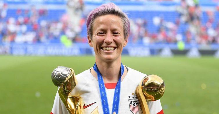 Fez-se história: jogadora de futebol é a nova cara da marca de luxo Loewe