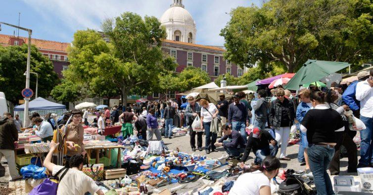 Bagageira na Ladra: a nova feira de Lisboa com milhares de peças em segunda mão